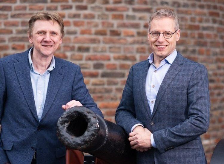Featured image of VIRO opent nieuwe vestiging in Zwolle - Dirk van der Bijl en Theo de Vries Sassenpoort Zwolle2 - VIRO NL